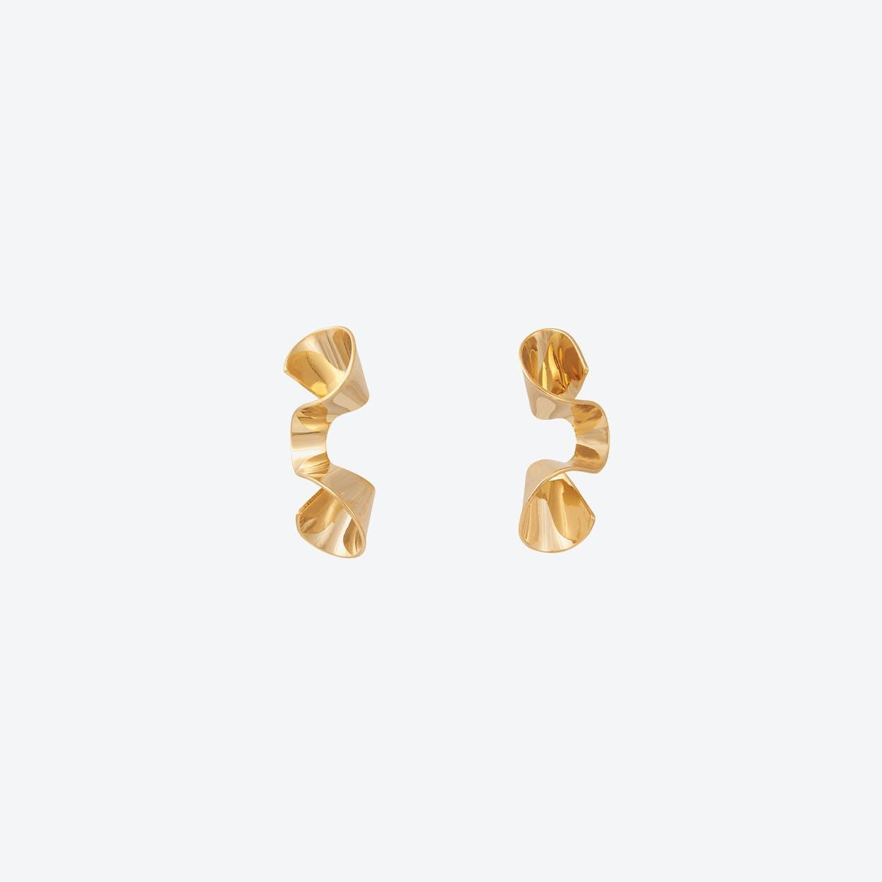 Sleek Gold Wave Stud Earrings