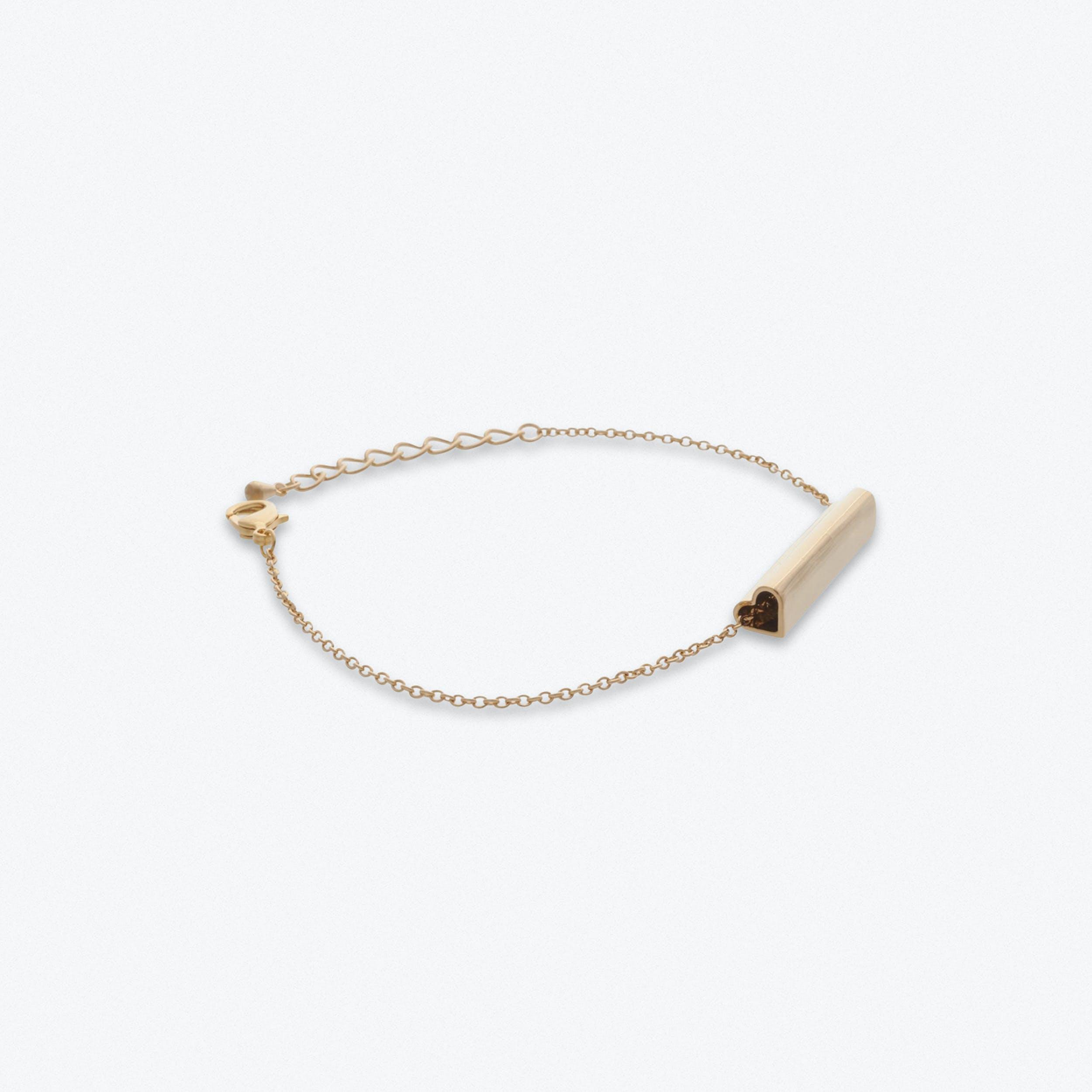 Heart Bar Bracelet in Gold
