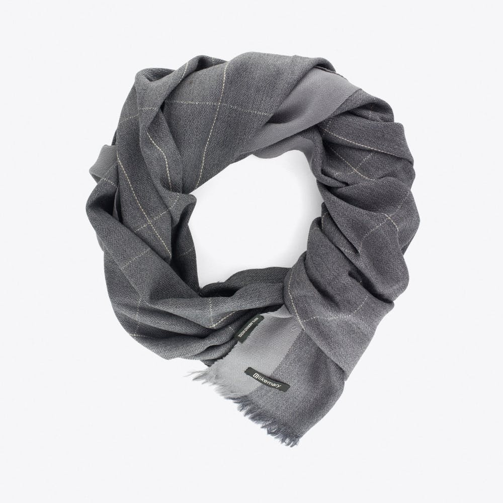 Diamond Weave Merino Wool Oversized Scarf in Grey