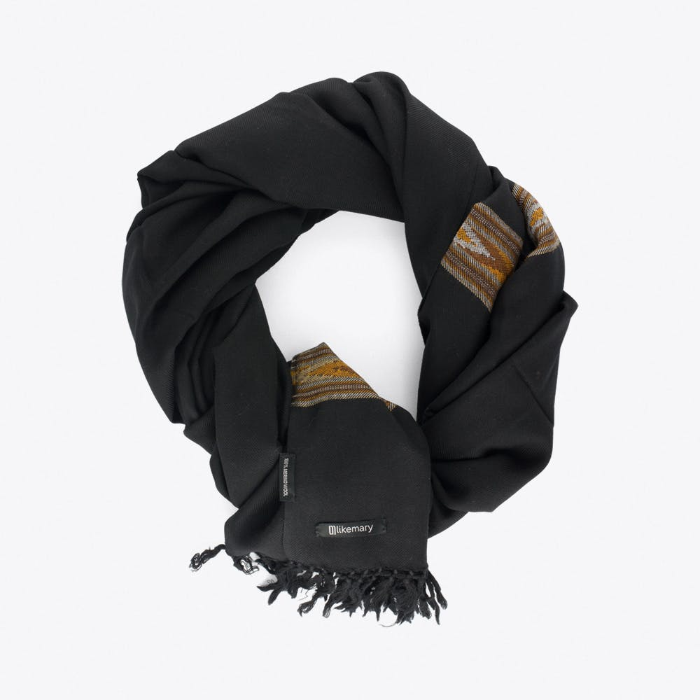 Takhi Merino Blanket Scarf in Black