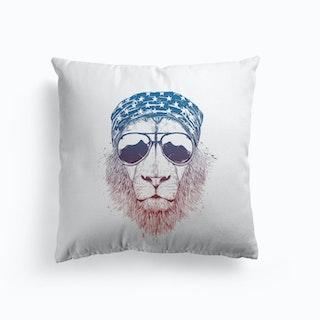 Wild lion Cushion