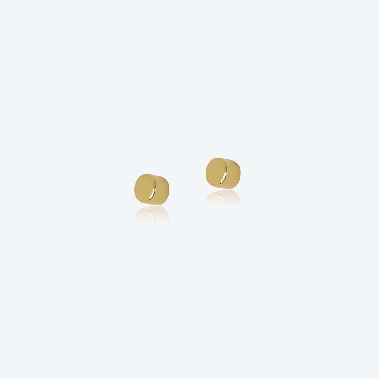 Dot Studs in Gold