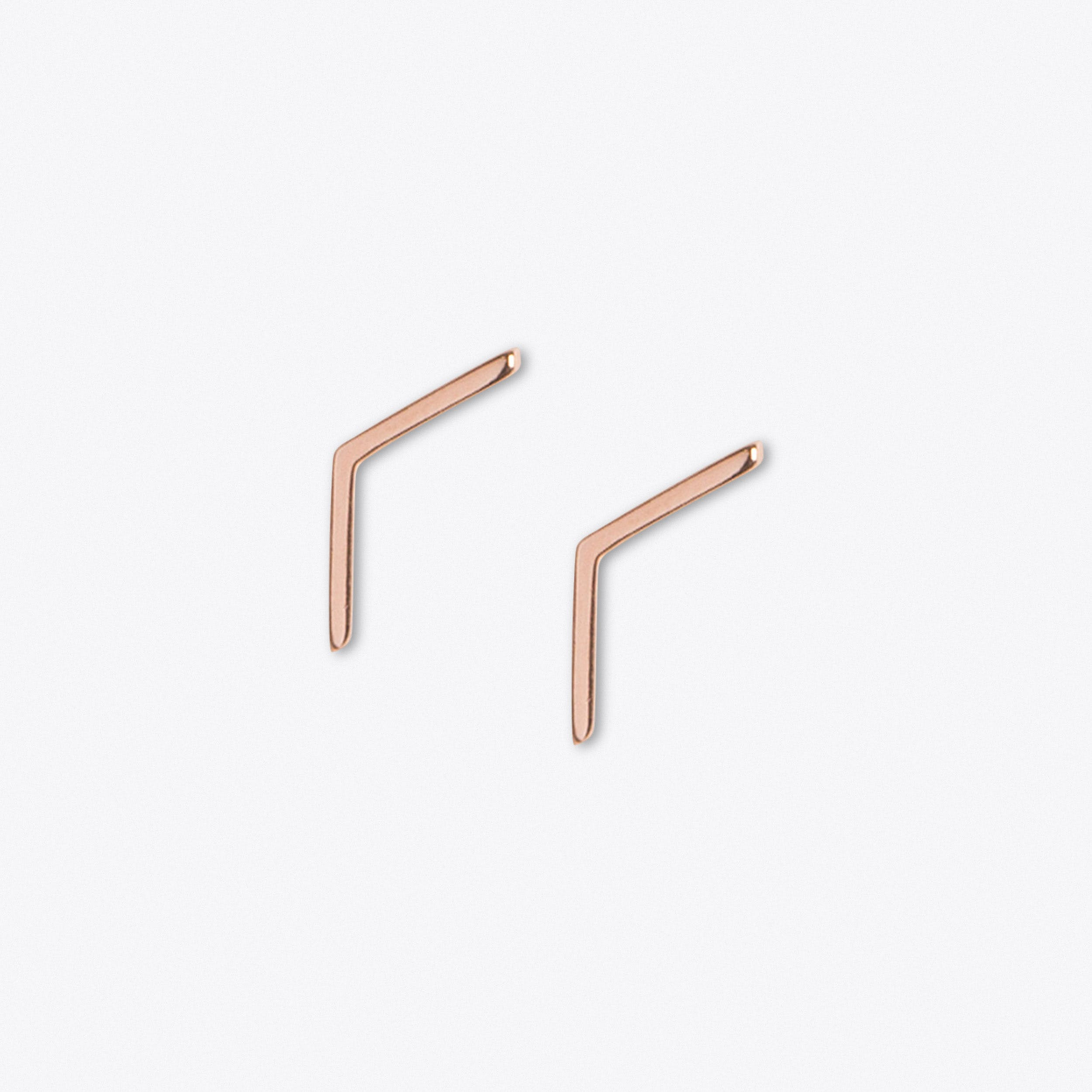 Linear Stud in Rose Gold