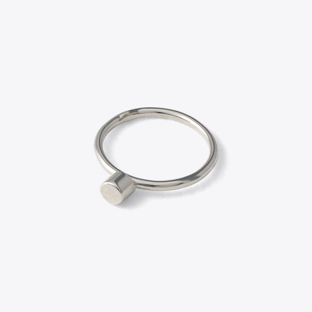 Dot Ring in Silver