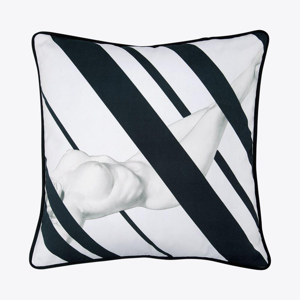 Nude Cushion In Black