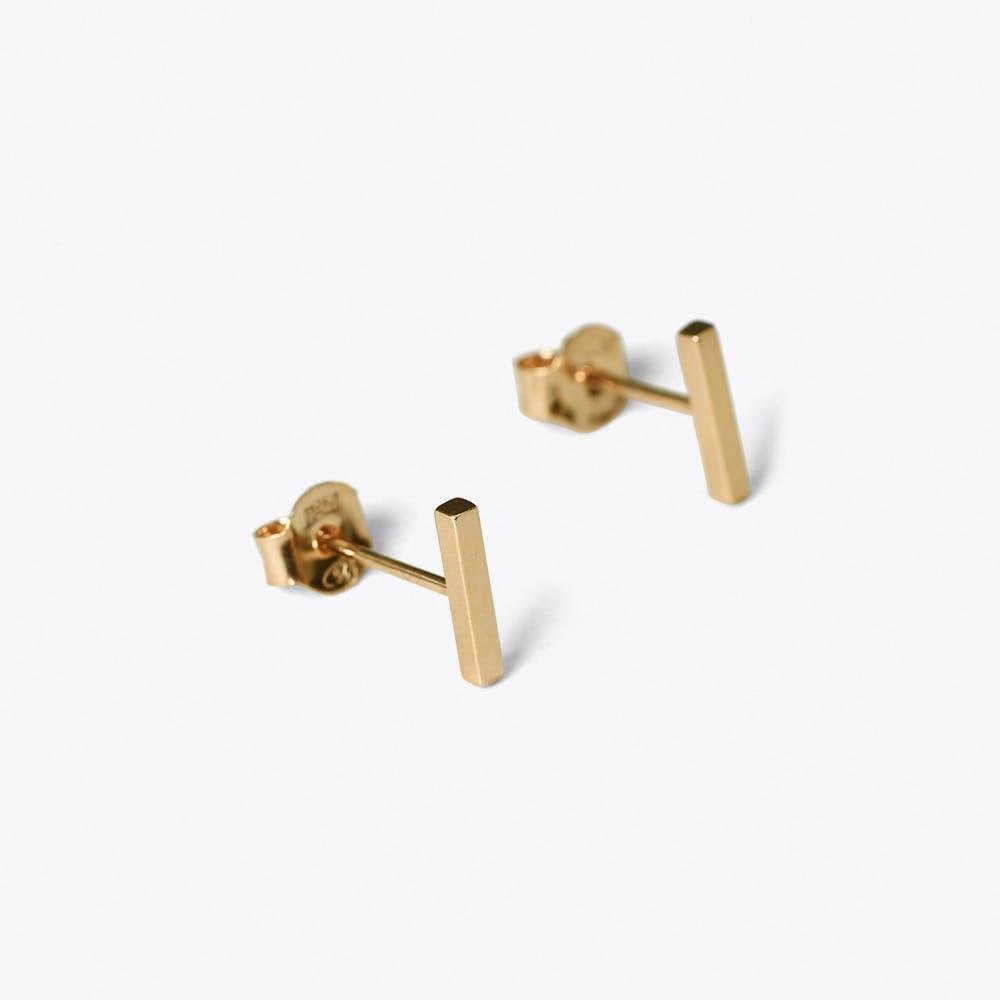 Linie Stud Earrings in Gold