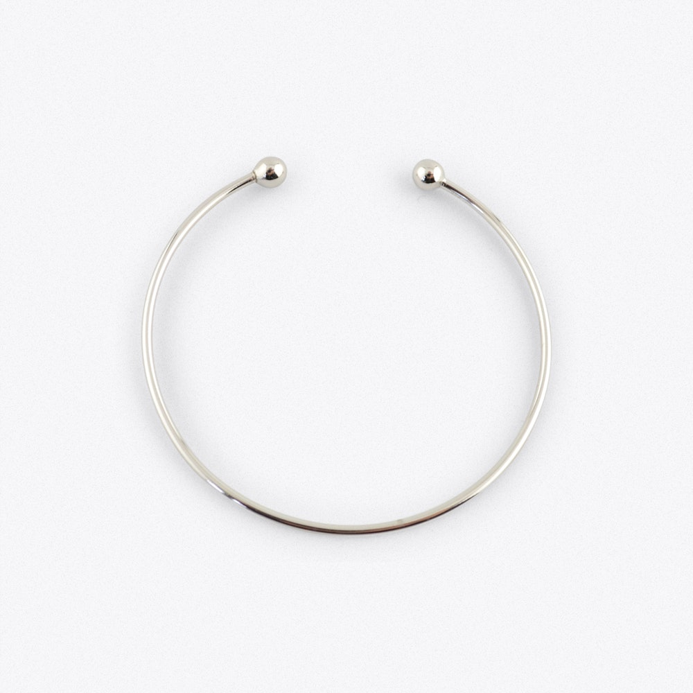 024385ab48627 Silver Charm Bangle With Bead Fastening