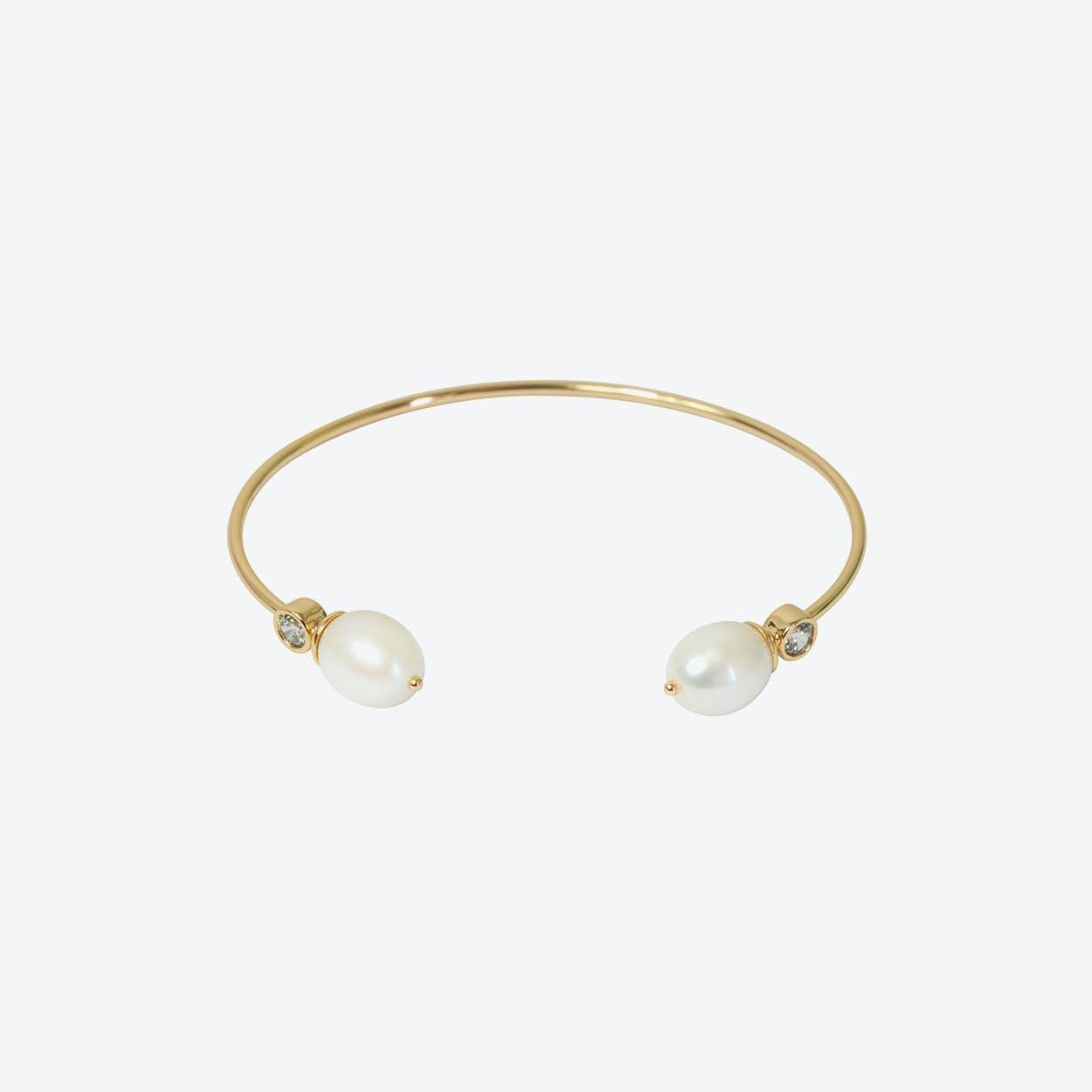 18k Gold Cultured Pearl Bangle