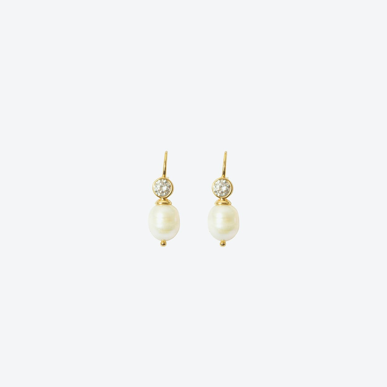 18k Gold Cultured Pearl Short Drop Earring