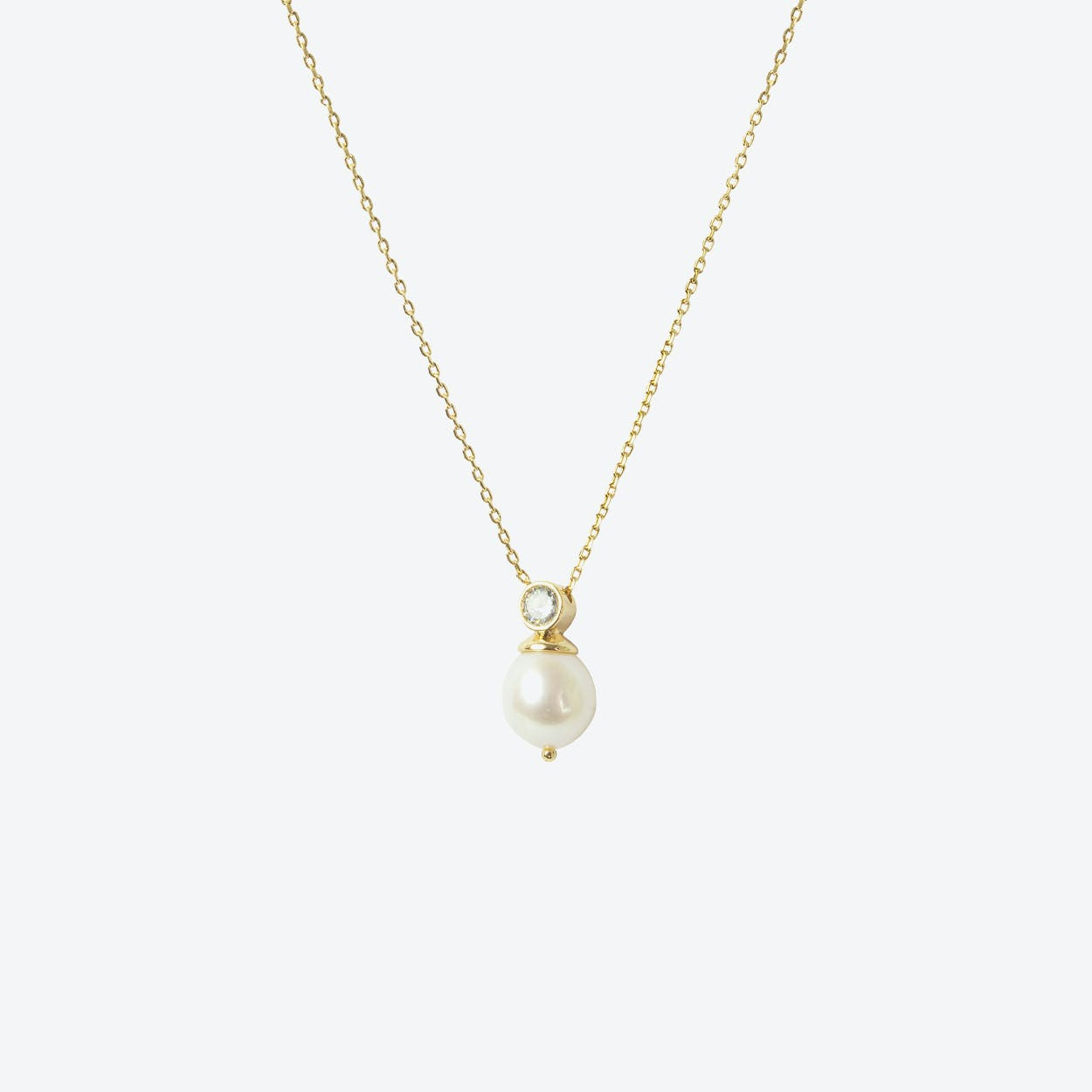 18k Gold Cultured Pearl Short Necklace