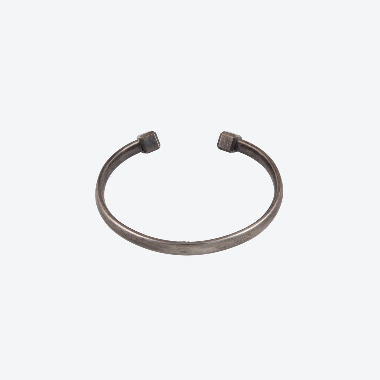 OVAL X Slim Bracelet in Oxidized Sterling Silver