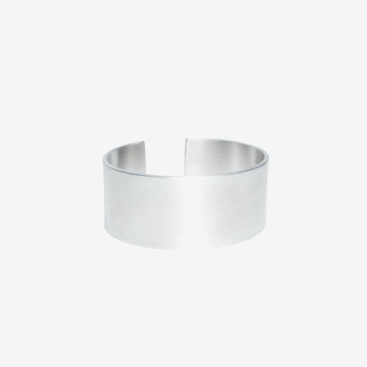 Pilot Bracelet in Aluminium, 30mm