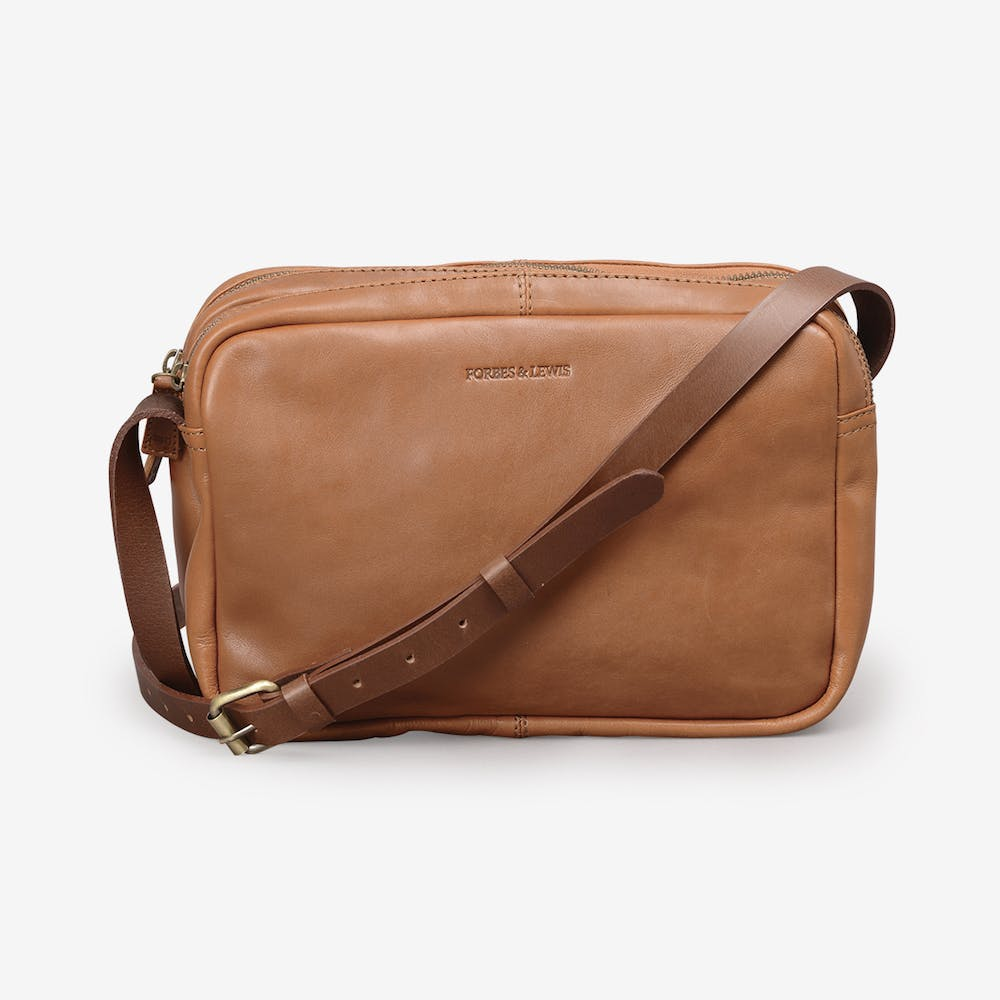 Sara Shoulder Bag in Tan