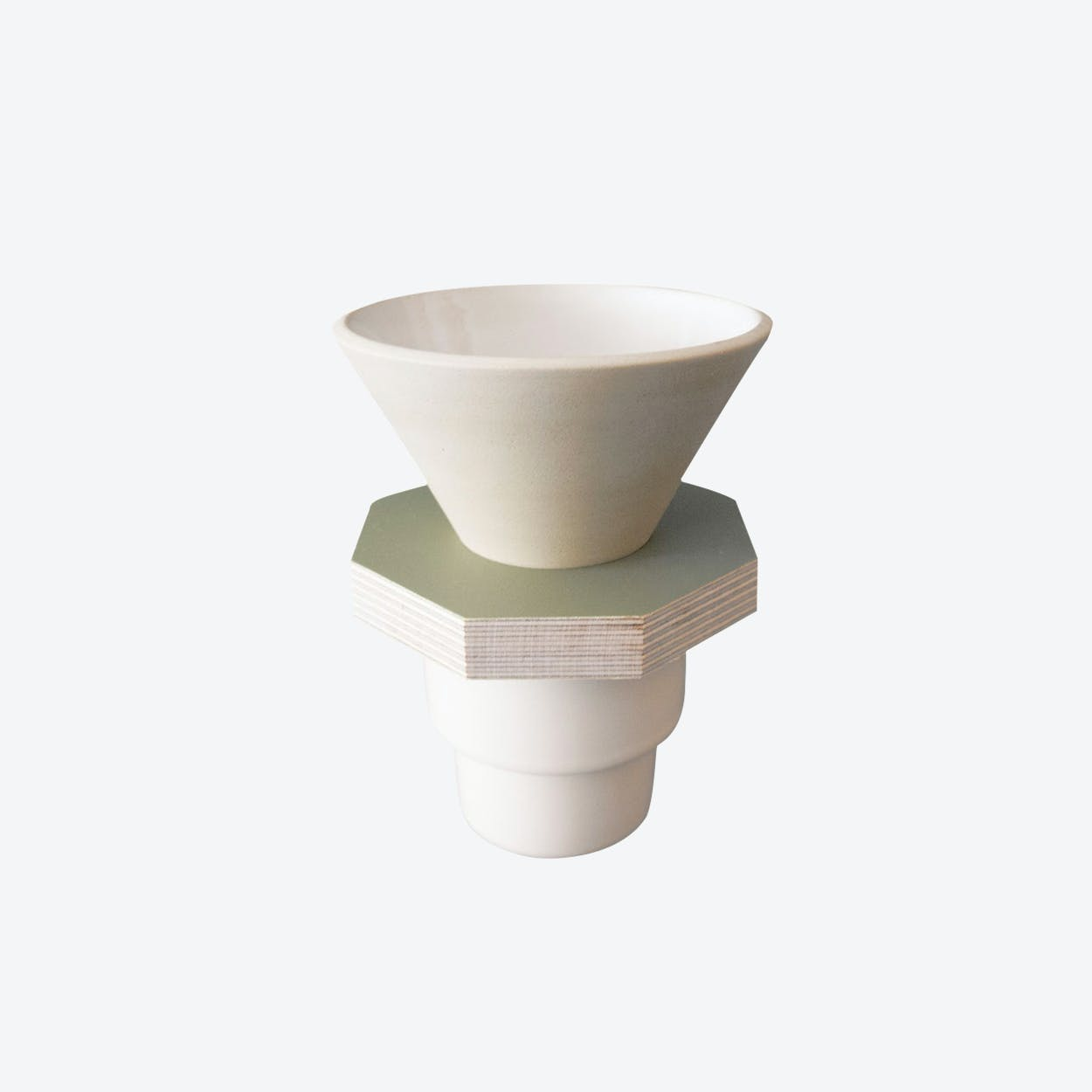 Ceramic Dripper in Beige and Green Plywood