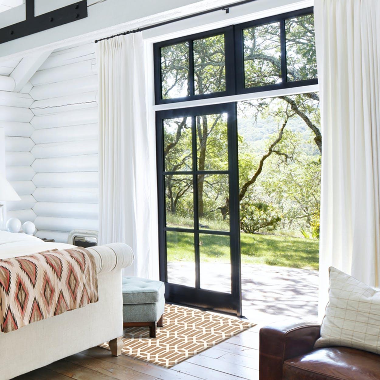 Modern Fretwork Rug in Rich Tan & White