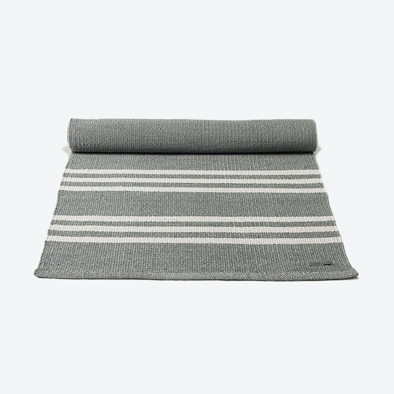 Plastic Rug in Grey, Off White Stripes (200 x 300 cm)