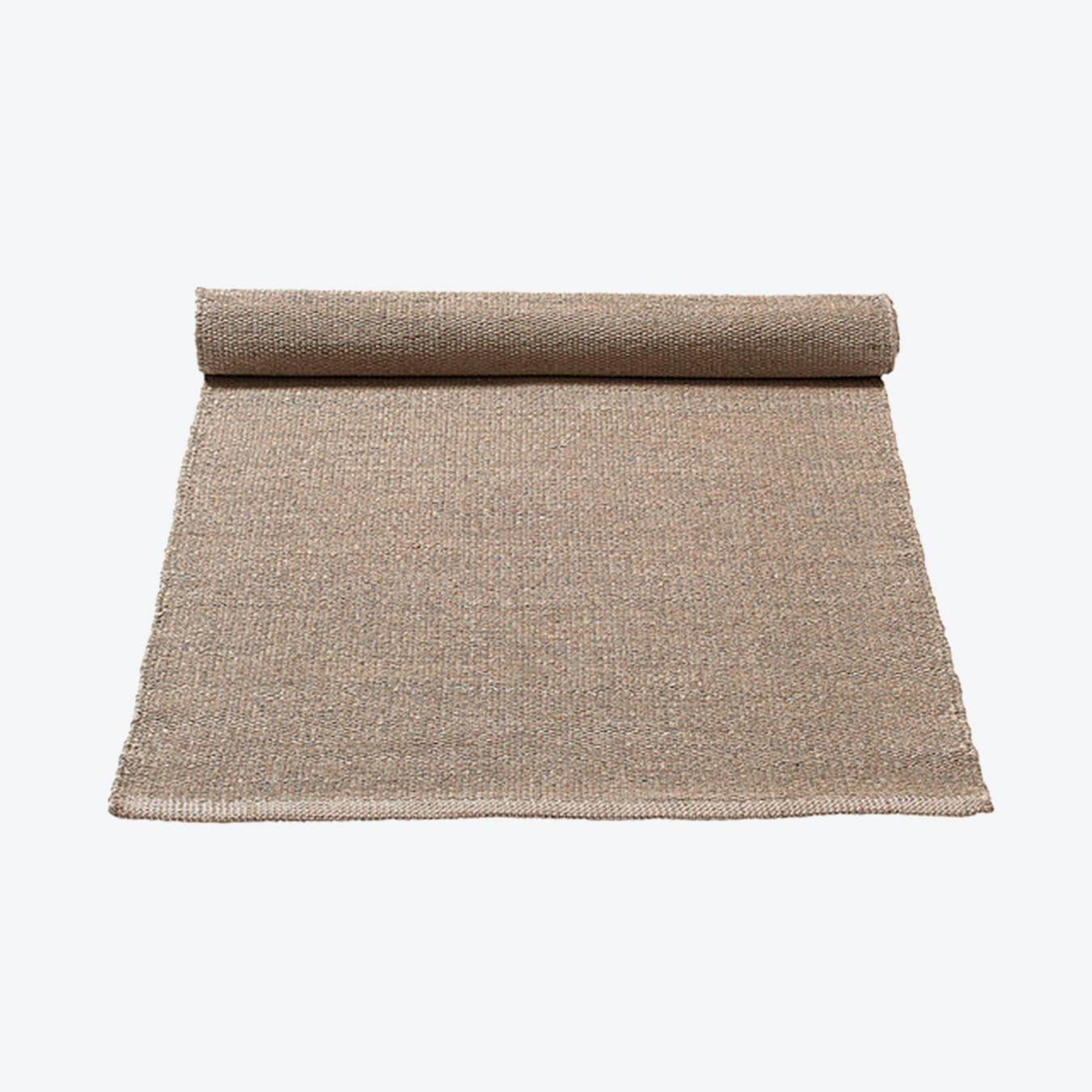 Plastic Rug in Dusty Sand (200 x 300 cm)