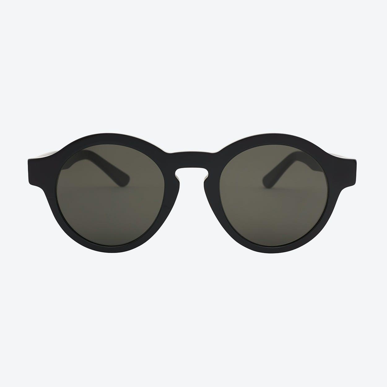 Esso Sunglasses in Black