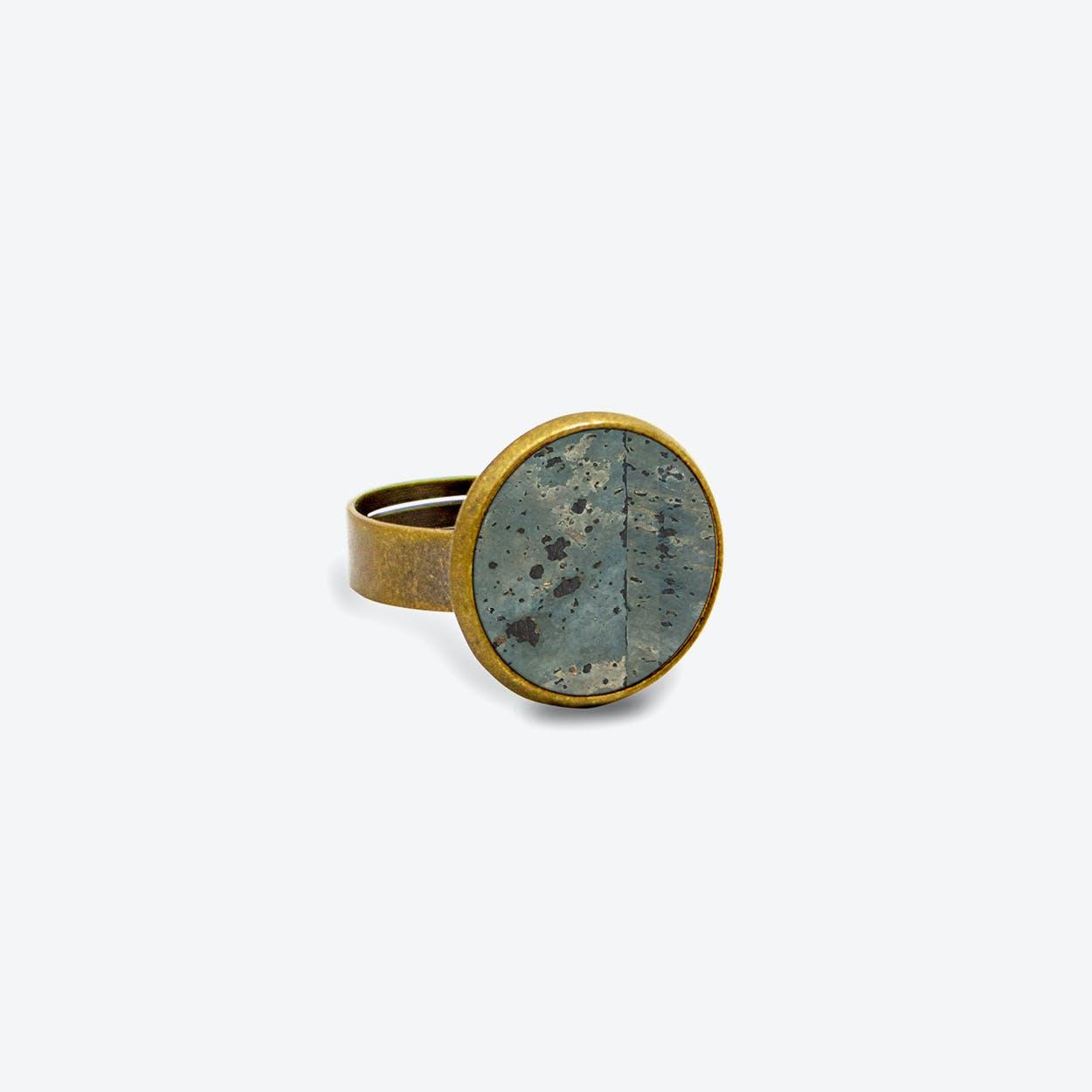 Cork Dot Ring in Smoke Green