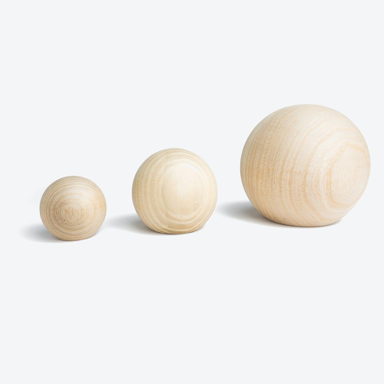 Balls Hooks in Natural Ash Wood