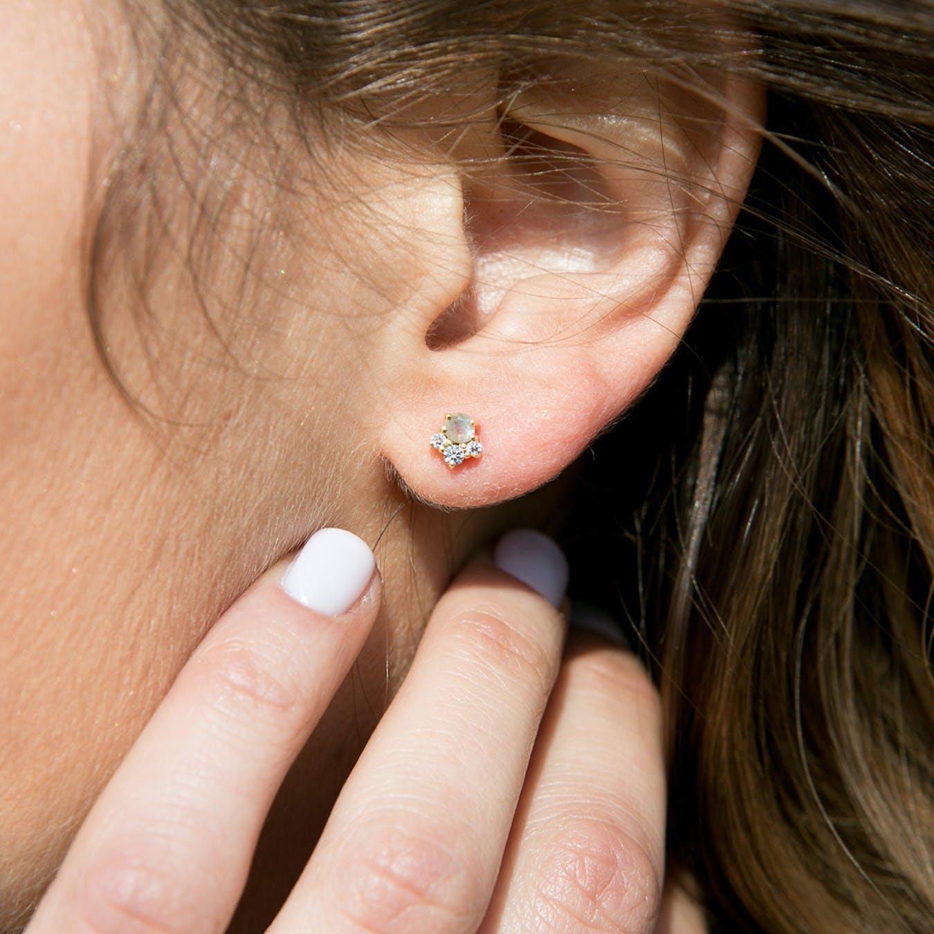 Nahia Earrings - Labradorite