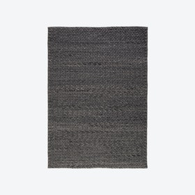 Linea 715 Rug in Anthracite