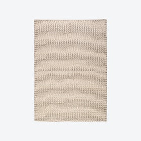 Linea 715 Rug in Ivory