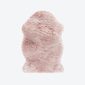 Samba 495 Faux Sheepskin Rug in Powder Pink