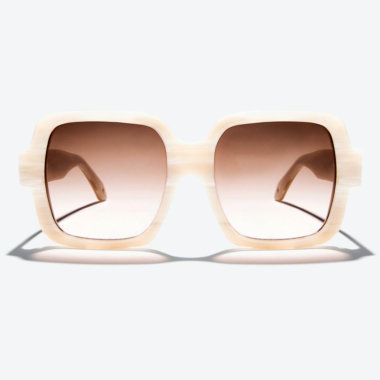 Hydra Sunglasses in Pale