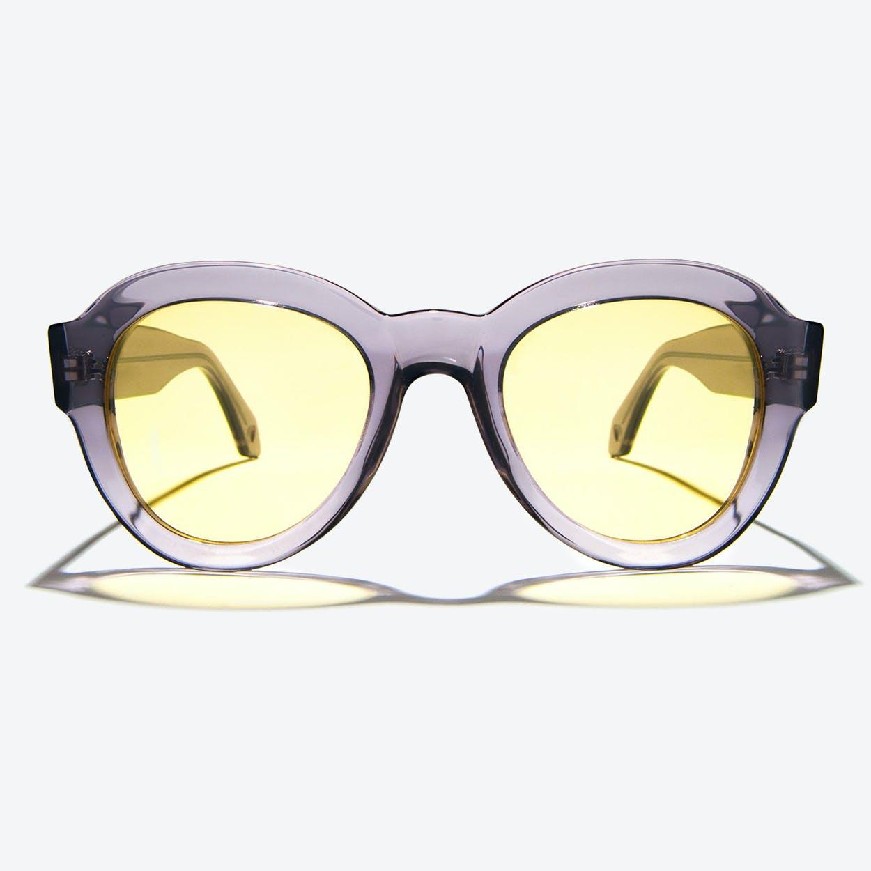 Vega Sunglasses in Grey