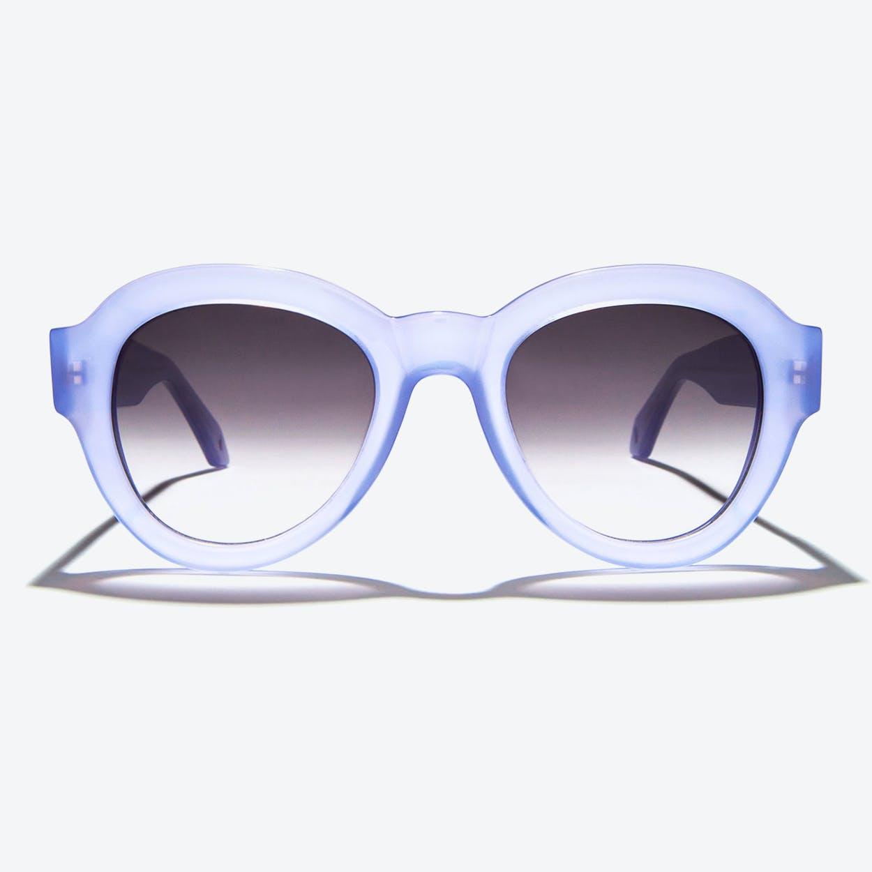 Vega Sunglasses in Lilac