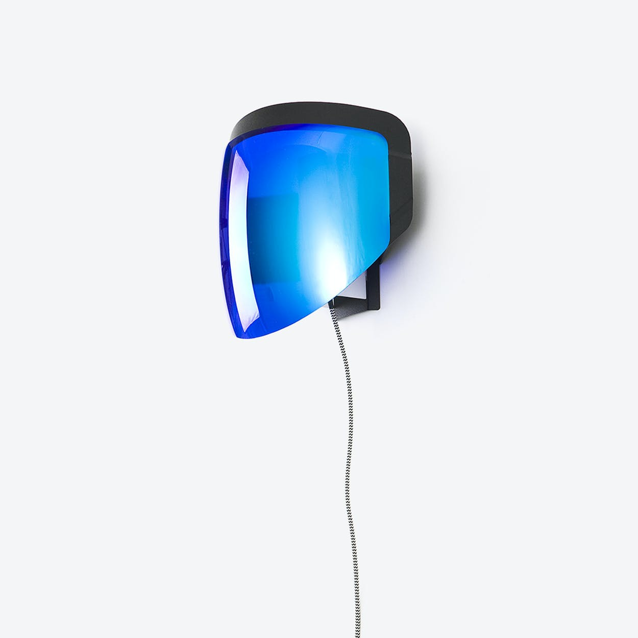 Moto - Wall Lamp with Plug - Optical Blue