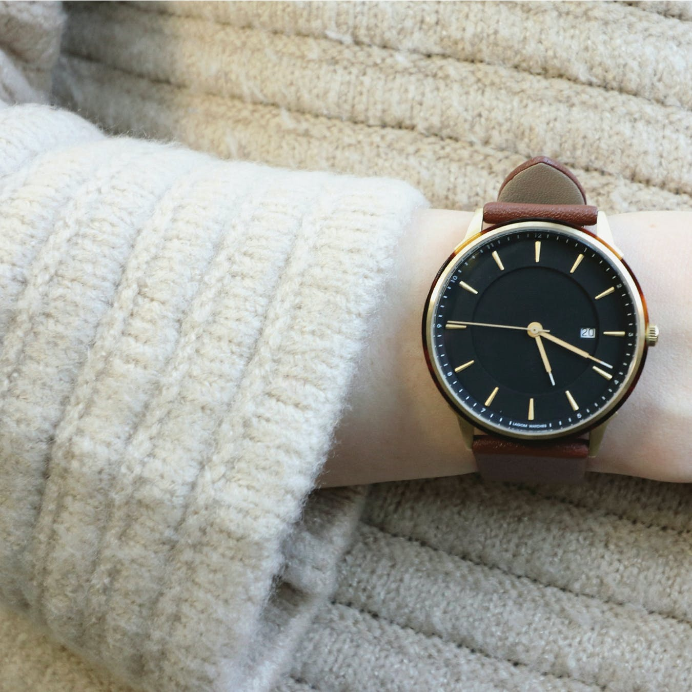 BÖRJA - Gold Watch in Black Face and Brown Leather Strap