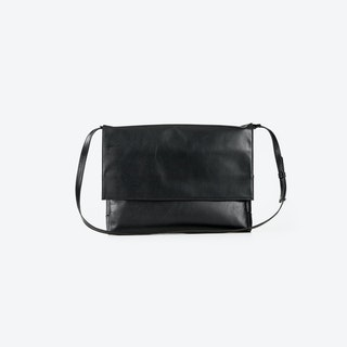 LOLITA Black Leather Clutches