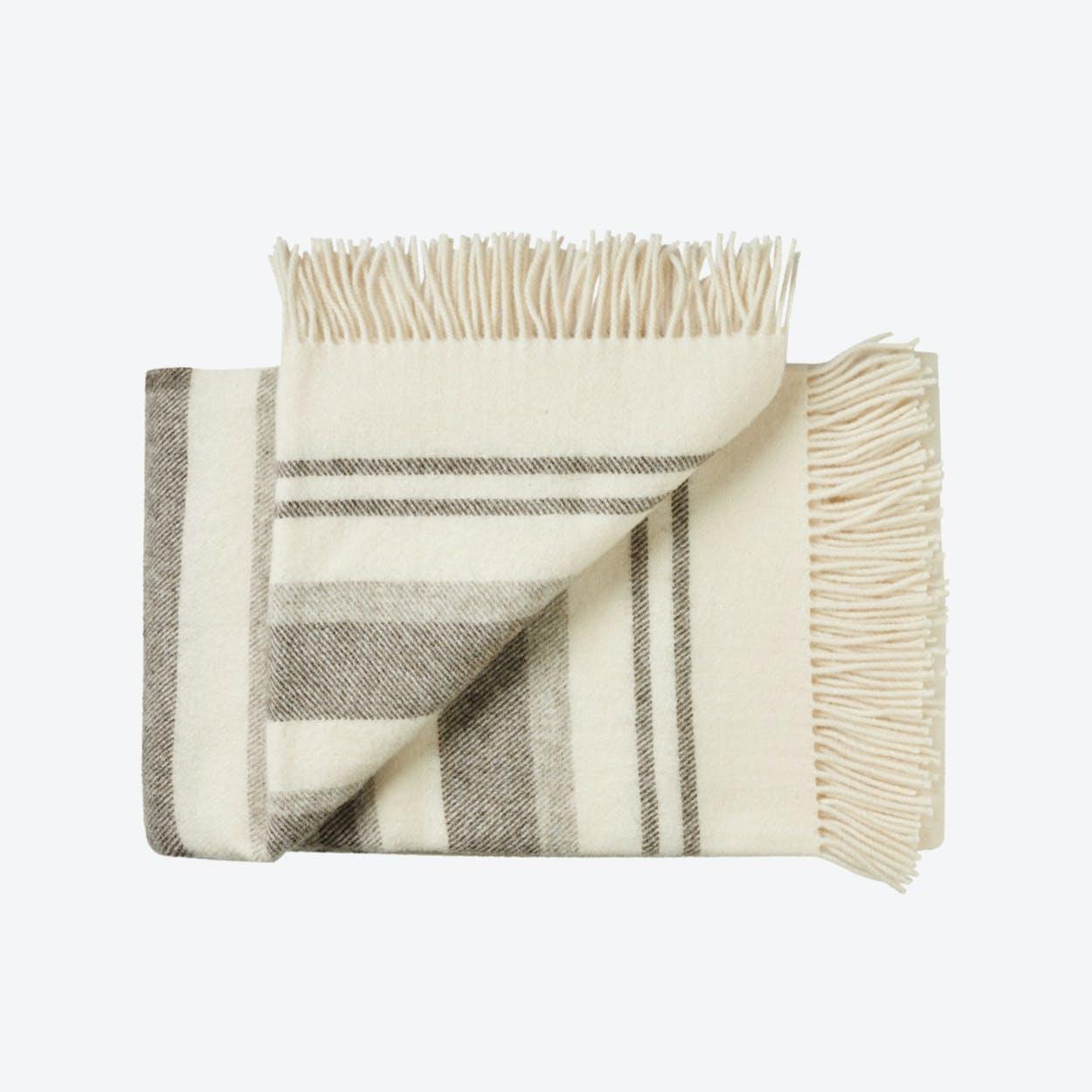 Fejø Wool Throw in White