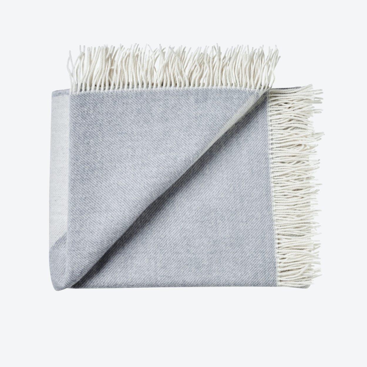 Focus on Twill Wool Throw in Light-Grey