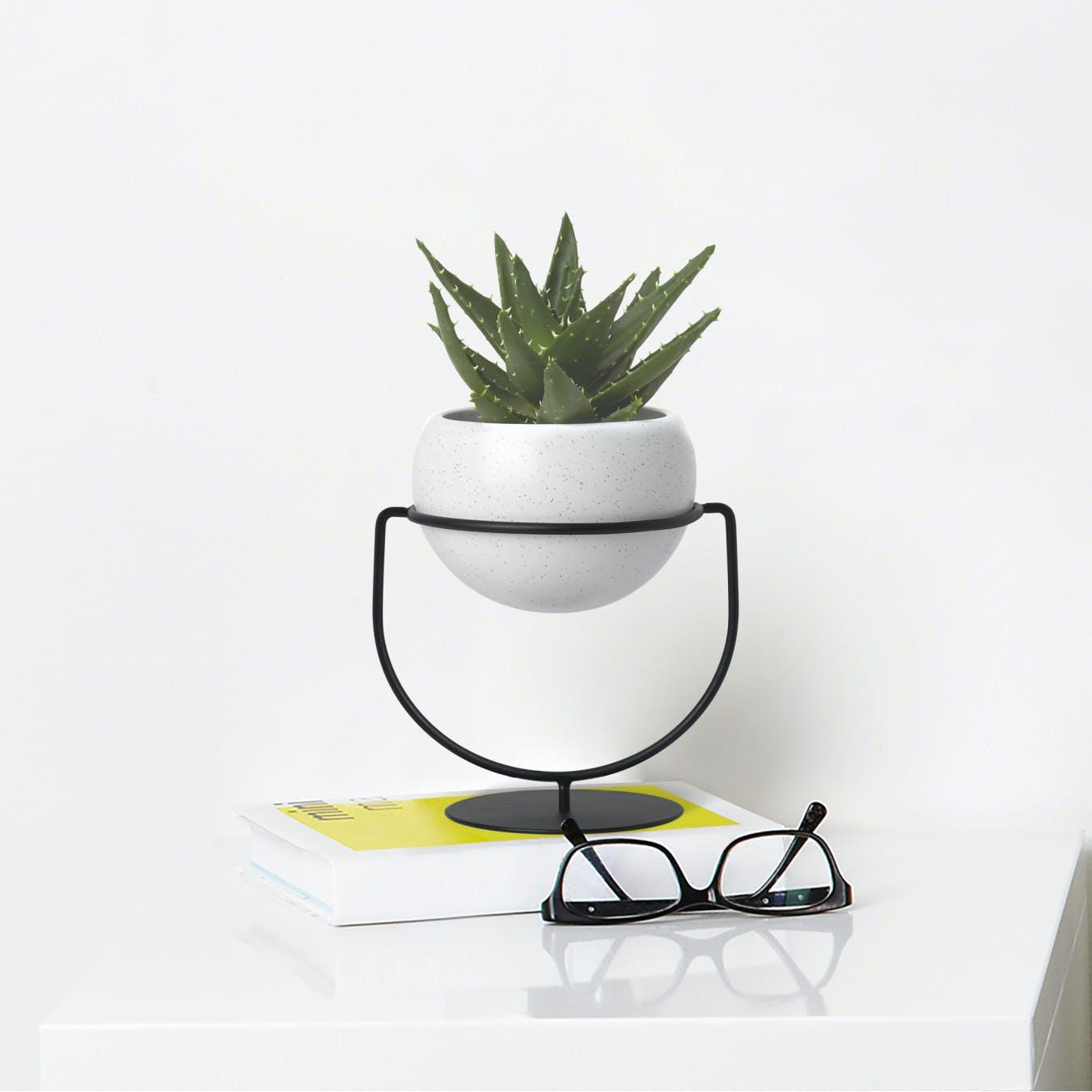 Nesta Planter in White