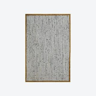 5009 White/Black Rug