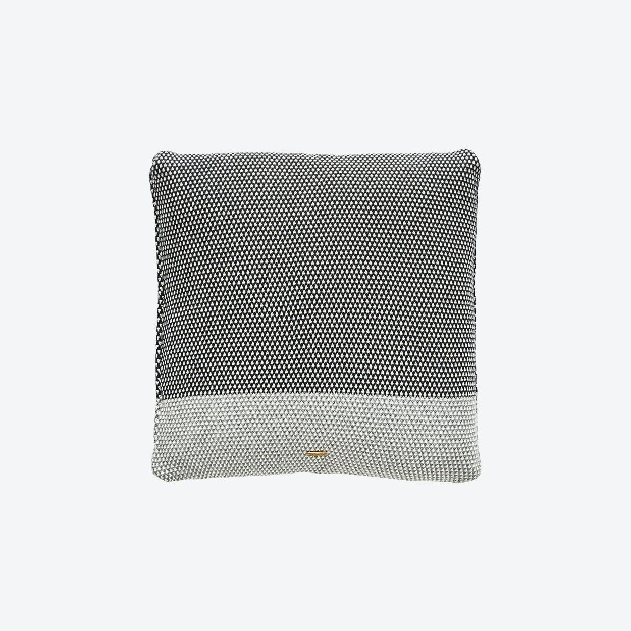 Koke Cushion in Grey / Anthracite