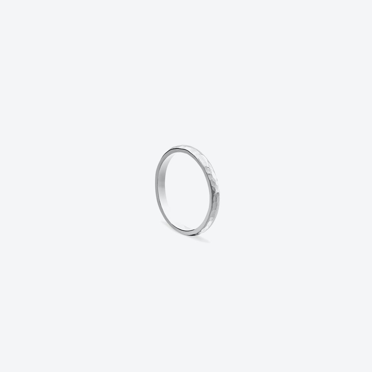 Classic Hammered Band in Silver