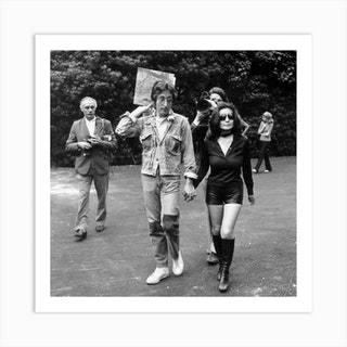 John Lennon And Yoko Ono During Cannes Film Festival May 18 1971 Presenting Their Record Art Print