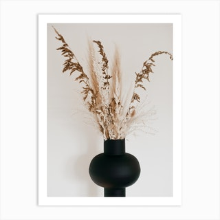 Black Vase Art Print