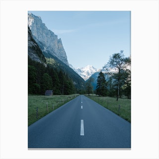 Road To The Mountains Canvas Print