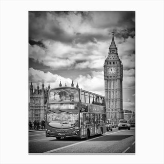 London, Westminster Traffic Canvas Print
