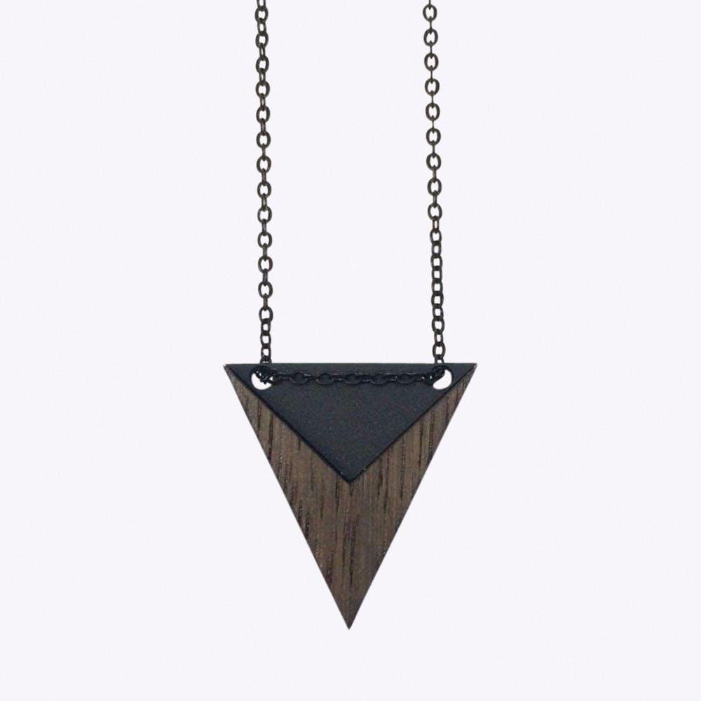 Nominativ Necklace in Black